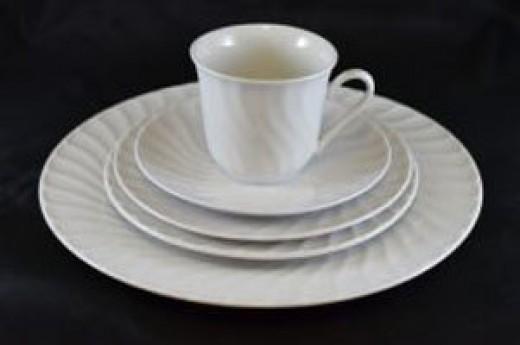 """White Swirl Dinner Plate – 10.5"""""""